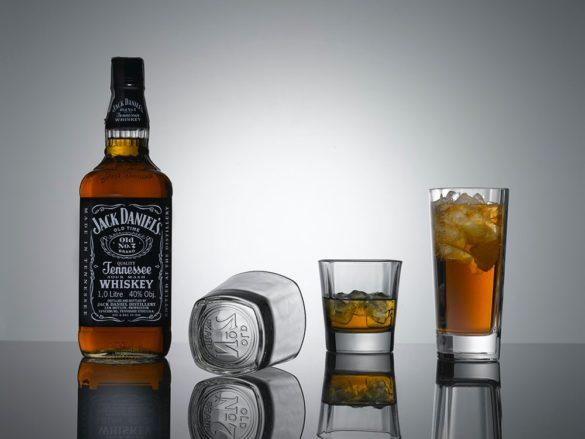 1Jack Daniels glassware